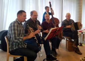 Weihnachtsbazzar im Haus Schärenmatte der Stiftung Arkadis in Olten mit Thomas Stirnemann
