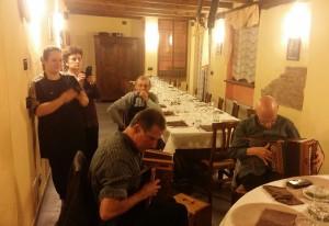 Mitternachtsständchen für die Wirtefamilie im Ristorante Brusalino in Mango.